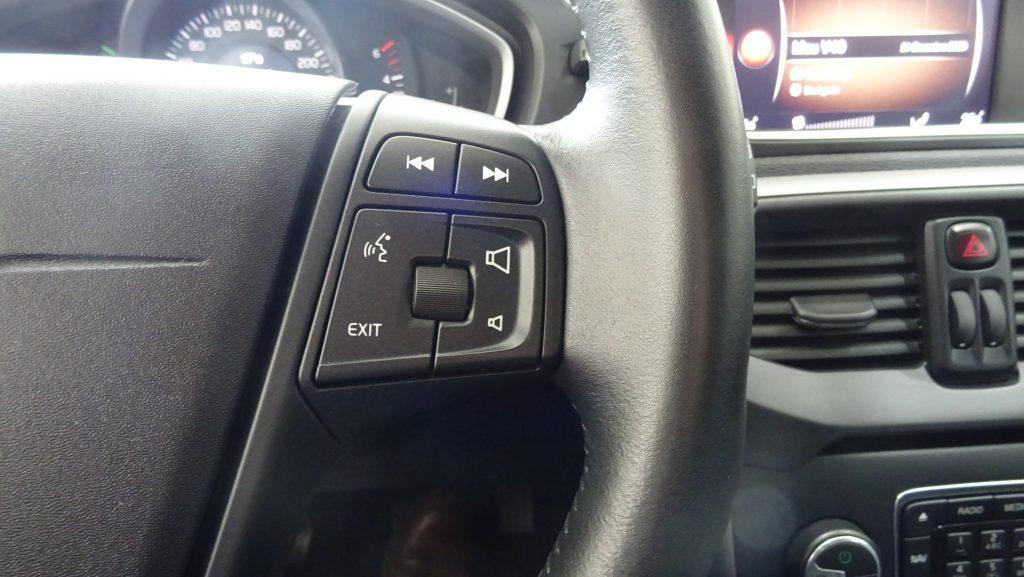Volvo V40 Cross Country 2.0D Kinetic cheio